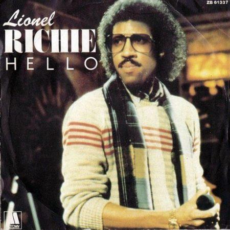 دانلود آهنگ hello از lionel richie